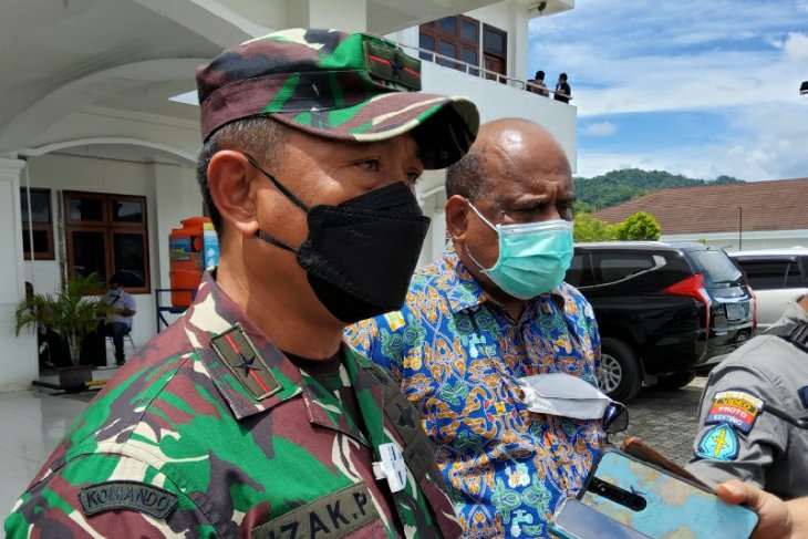 Army to clamp down on illegal goods flow on Papua highway