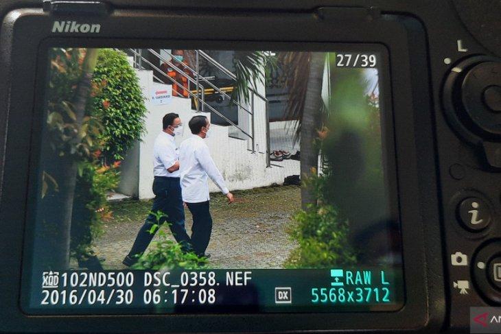 Presiden Joko Widodo tinjau vaksinasi untuk tenaga pendidik di SMAN 70