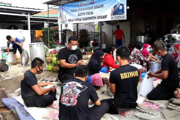 Sebanyak 37.792 korban banjir di Kabupaten Bekasi masih bertahan di pengungsian