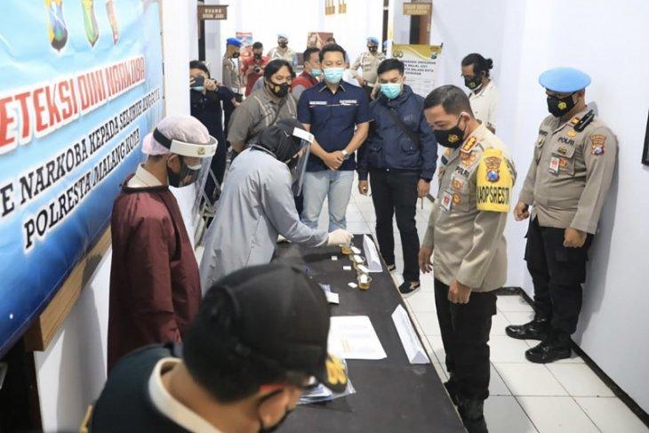 Hasil tes urine 100 personel Polresta Malang Kota semuanya negatif