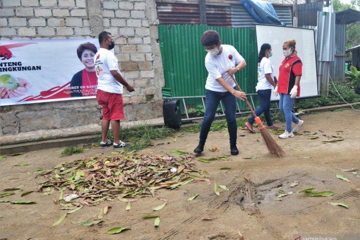 Mercy Barends harapkan aksi Banteng Peduli Lingkungan rutin digelar kader PDIP