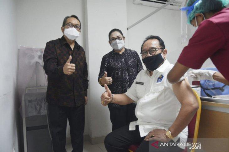 Wagub Bali: masyarakat jangan takut divaksin COVID-19