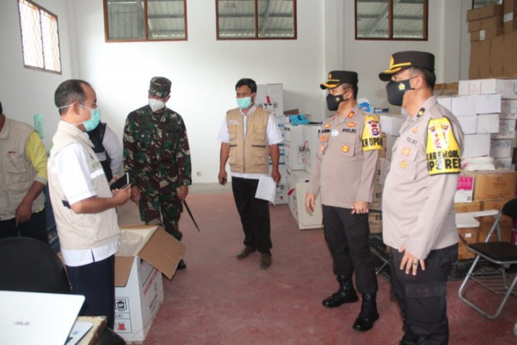 Polres Lebak kawal pendistribusian vaksin COVID-19 dari provinsi