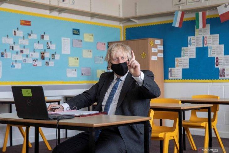 Keluarga anak sekolah di Inggris akan dites COVID-19 dua kali dalam sepekan