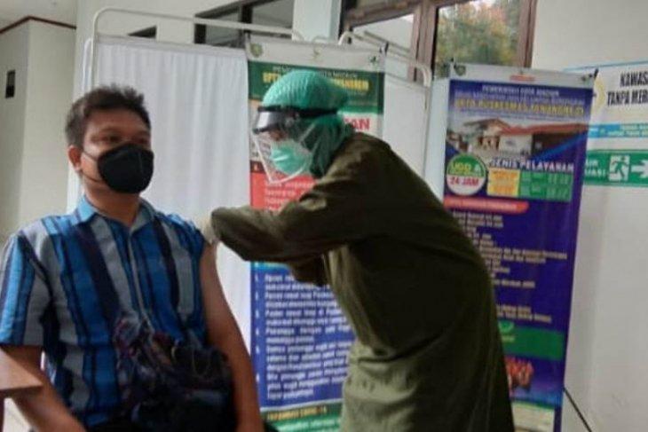 Puluhan wartawan Kota Madiun jalani vaksinasi COVID-19