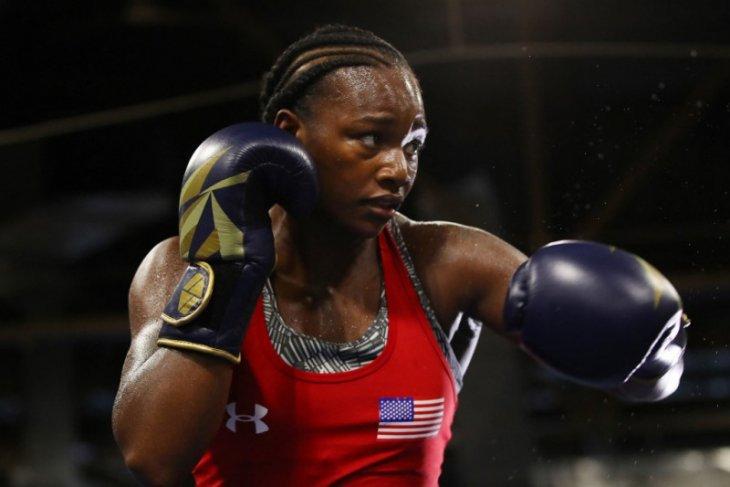 Juara dunia tinju putri ingin perempuan bertarung 12 ronde