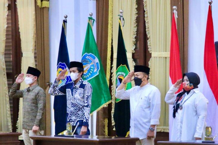 Pelantikan 17 kepala daerah di Jatim dibagi tiga sesi