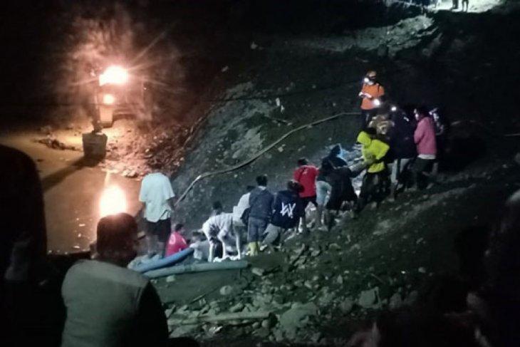 Puluhan penambang emas ilegal di Sulawesi Tengah tertimbun
