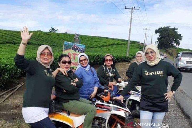 Sidamanik-Simarjarunjung-Tigaras paket wisata andalan Danau Toba di Simalungun