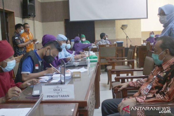 Ribuan pelayan publik di Probolinggo mulai jalani vaksinasi COVID-19
