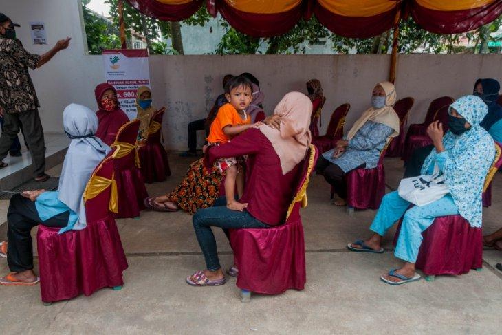 Pencairan dana bantuan sosial tunai di Kabupaten  Lebak berjalan lancar