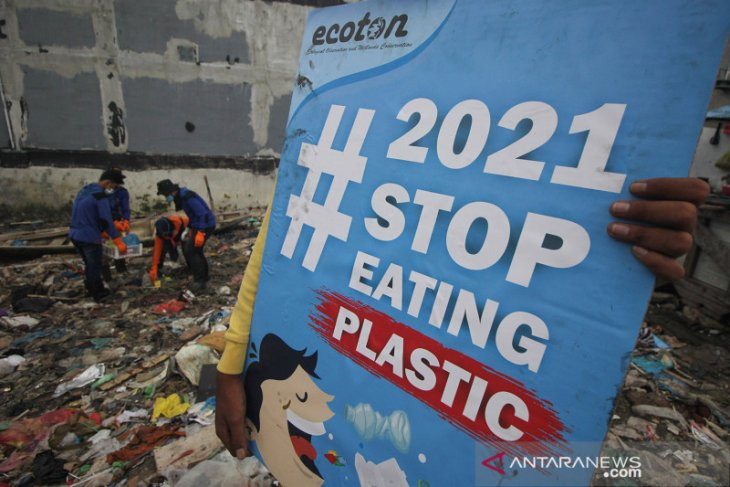 Putting the lid on plastic waste from e-commerce packaging