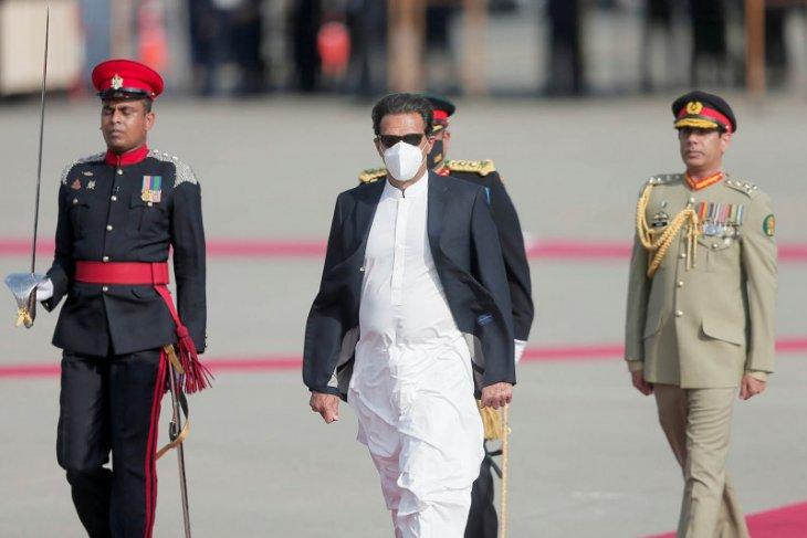 PM Pakistan dinyatakan positif COVID-19 usai divaksinasi