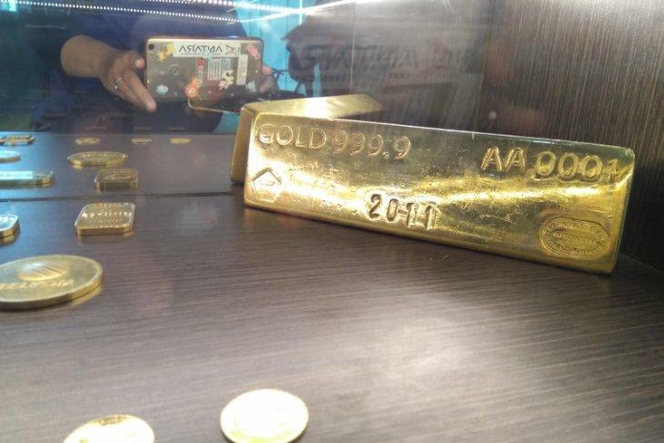 Emas terpuruk 9,6 dolar tertekan kebangkitan imbal hasil obligasi Amerika Serikat