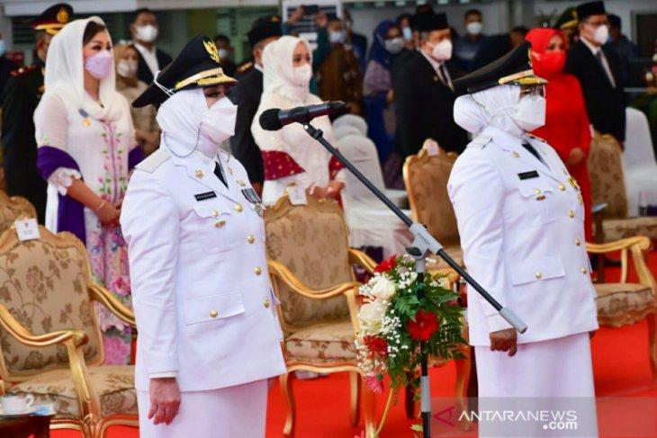 Pertama di Sumatera,  bupati dan wakil bupati perempuan dilantik