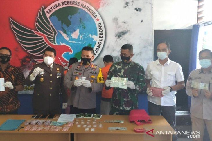 Polisi tangkap pasutri bandar narkoba di Rejang Lebong