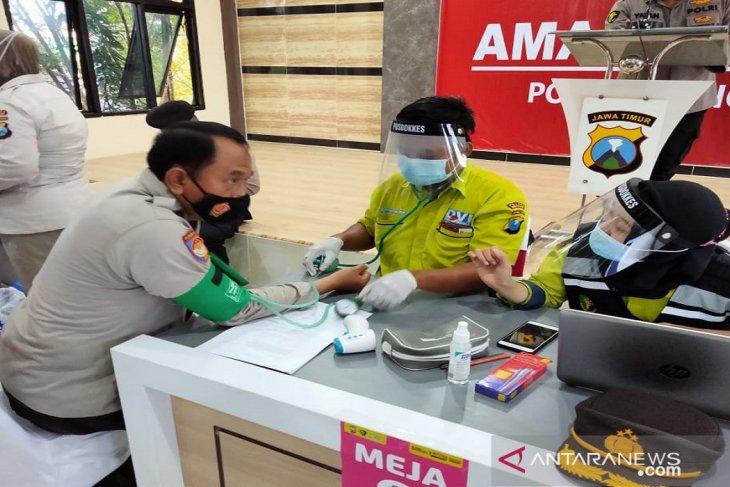Ratusan personel Polres Pamekasan disuntik vaksin COVID-19