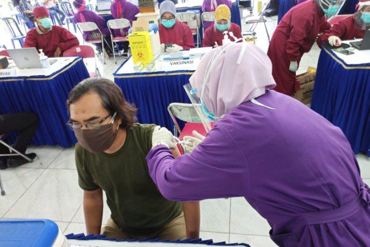 Vaksinasi tahap kedua di Madiun sasar 4.400 pelayan publik