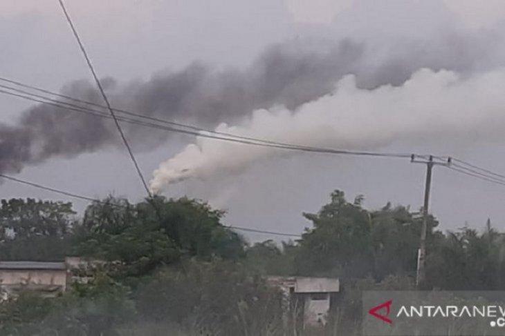Warga Sia terganggu polusi udara akibat asap pabrik sawit