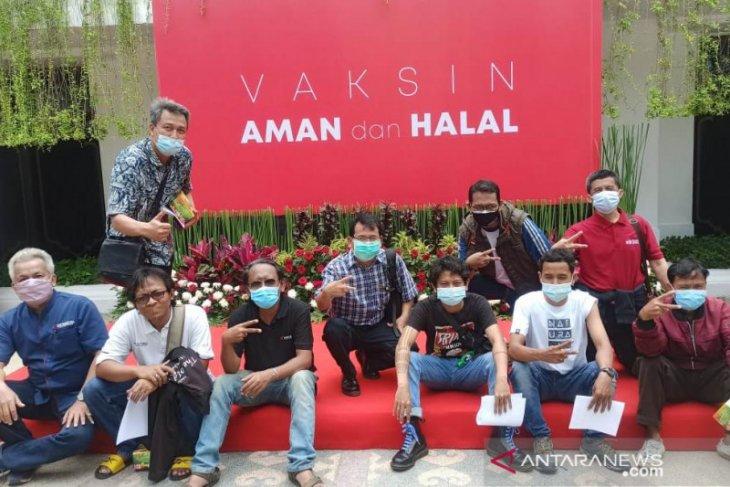 442 wartawan di Surabaya jalani vaksinasi COVID-19