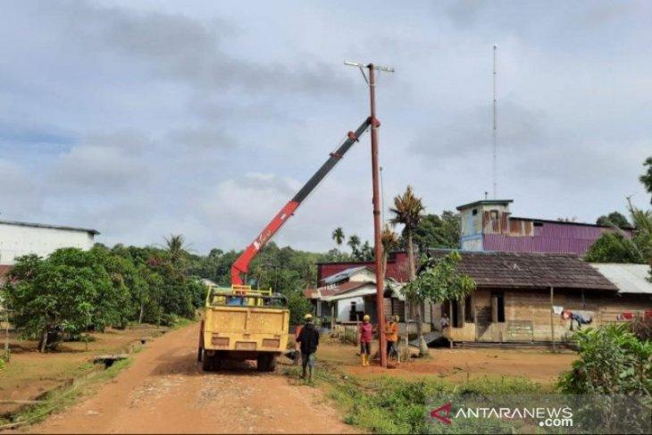 242 daerah terpencil di Kalbar dialiri listrik periode 2017-2020