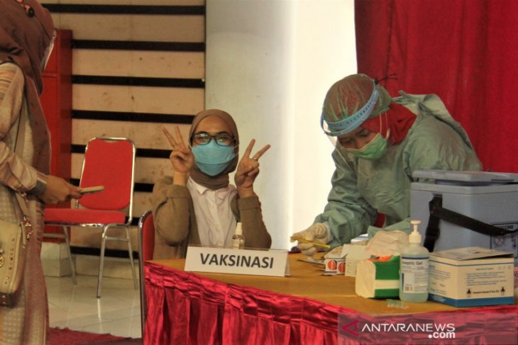 Satgas COVID -19 Balikpapan gelar vaksinasi massal di dome dan Pasar Klandasan