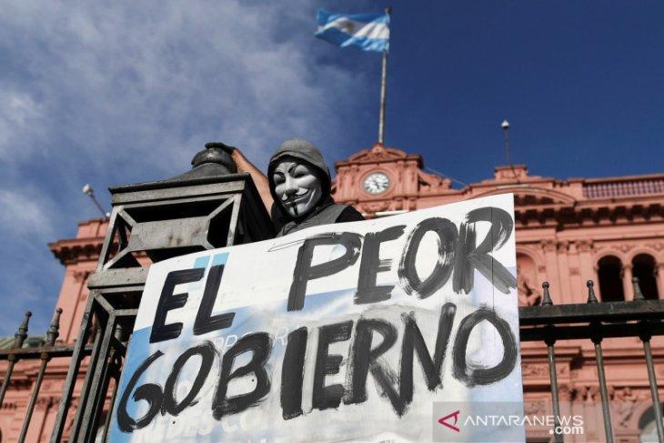 Dengan lebih dari 80.000 kematian, Argentina berjuang hadapii COVID-19