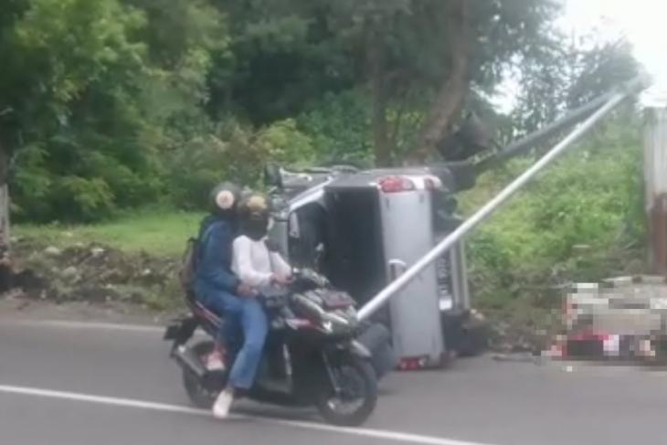 Dua orang tewas saat mobil tabrak tiga sepeda motor di Kediri