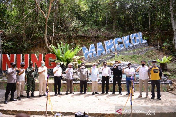 PT Timah bangun infrastruktur kembangkan objek wisata Gunung Mangkol