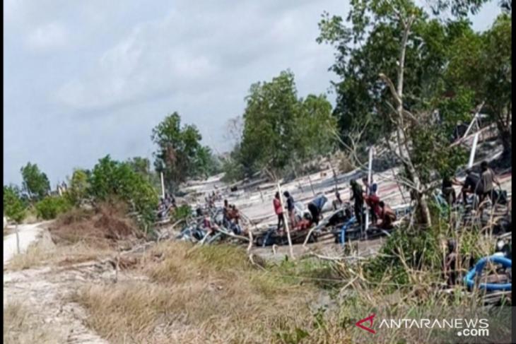 Penambang bijih timah liar hantam alur sungai di Bangka Tengah