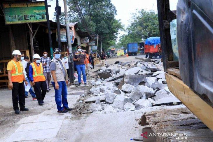 Pemkot Tangerang perbaiki enam titik jalan rusak sepanjang 5.000 meter lebih