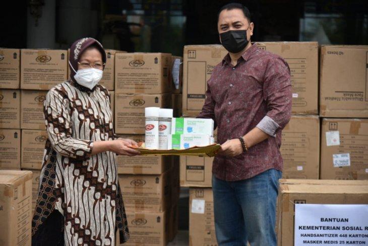 Pemkot Surabaya terima bantuan penanganan COVID-19 dari Mensos Risma