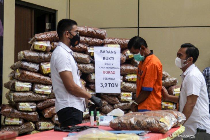 Sebanyak 3,9 ton kerupuk mengandung boraks disita polisi Sidoarjo