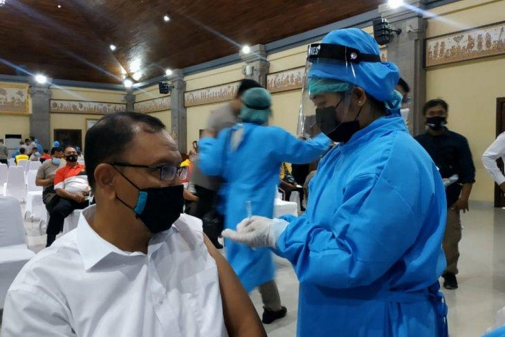 2.500 personel Polda Bali divaksin COVID-19 tahap kedua (video)