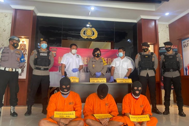 Polisi Bali bekuk tiga pemakai sabu