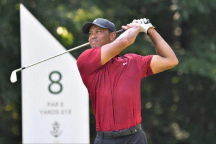 Pulih dari operasi, Tiger Woods terharu dengan dukungan sesama pegolf