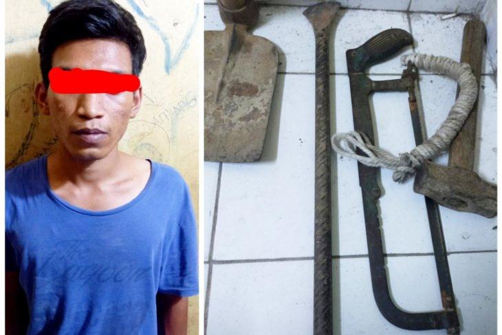Polisi Padang gagalkan aksi pencurian kabel Telkom