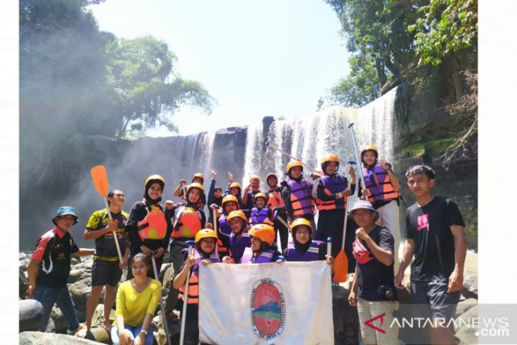Gempar FKIP Untan promosikan wisata Arung Jeram Riam Merasap Bengkayang