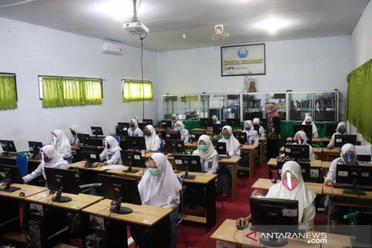SMK dan SMP Islam Bustanul Ulum Pakusari Jember mulai pembelajaran tatap muka