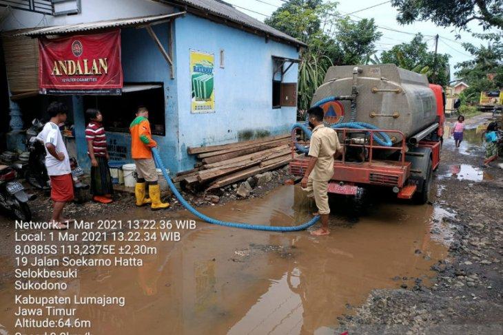 Banjir surut, BPBD Lumajang distribusikan air bersih kepada korban banjir
