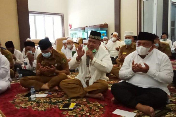 Bupati Langkat berdoa dan zikir dengan para alim ulama