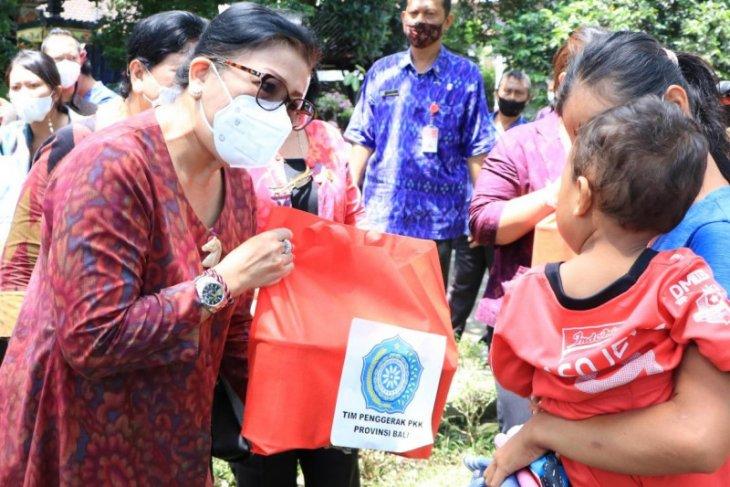 PKK Bali bantu balita dan ibu hamil di Buleleng