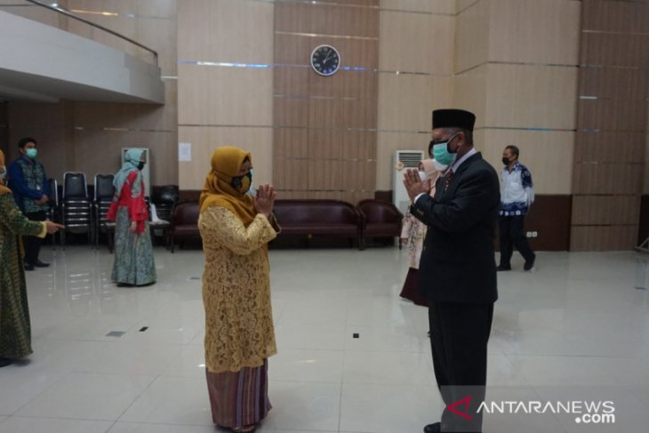 Profesor Udiansyah lantik Kepala Bagian TU LLDIKTI XI