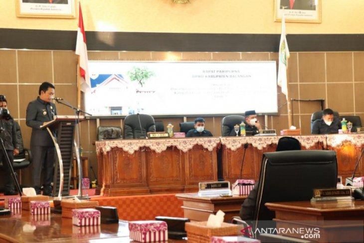 Bupati Balangan sampaikan 16 Raperda di rapat Paripurna DPRD Balangan