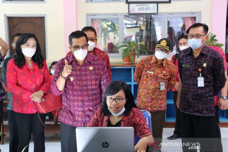 Bupati Tabanan tinjau belajar daring di SMPN 1
