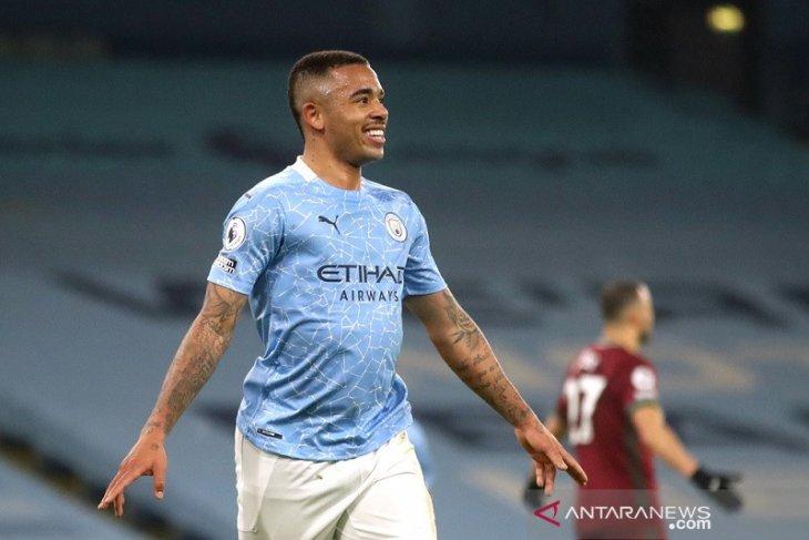 Gabriel Jesus sumbang dua gol saat City hantam Wolverhampton 4-1