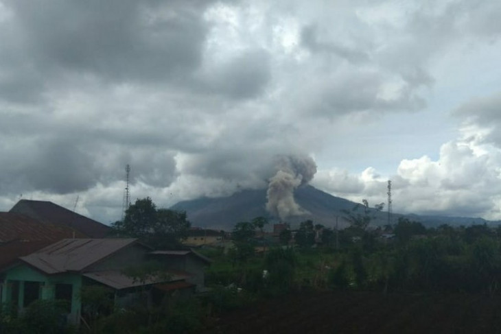 Gunung Sinabung alami erupsi lanjutan
