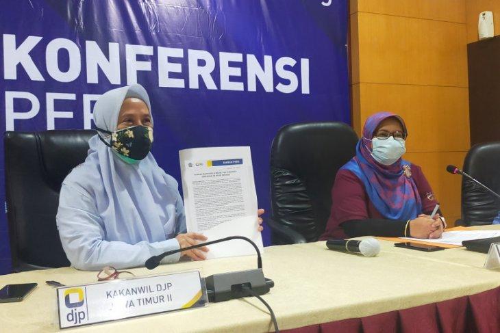 Kanwil DJP Jatim II serahkan tiga orang pengemplang pajak ke kejaksaan