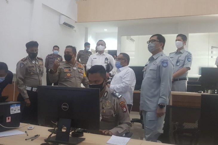 Kacab Jasa Raharja dan Bapenda Banten Saksikan Pelaksanaan ETLE di Polda Banten