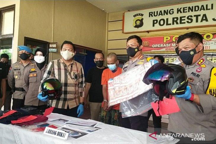 Polisi Jambi ringkus perampok bos sawit yang baru ambil uang dari bank
